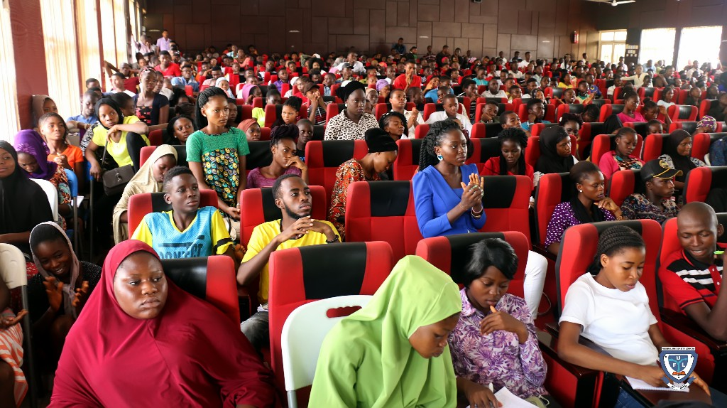 Cross section of fresh students from the Faculty Science at the orientation programme