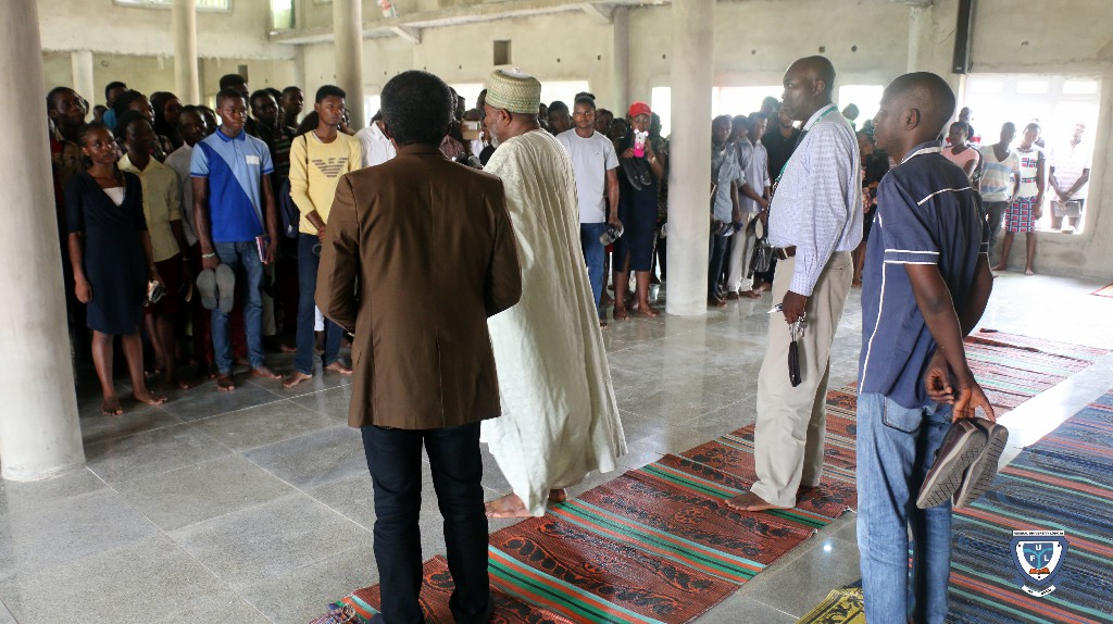Fresh students and religious leaders at the University Central Mosque during a tour to the worship center